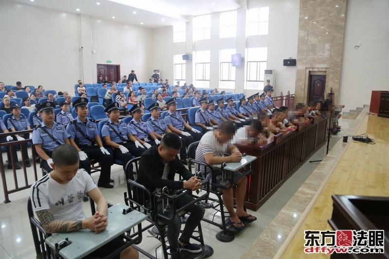 """湖南吉首:""""湘西一把火""""15名恶势力犯罪集团成员获刑"""